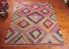 Vintage turkish kilim rug, Handwoven kilim rug, pastel kilim area rug, antique rug, rustic home decor carpet NK215