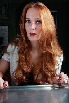 The Phantom Agony Era – 158 fotek Ladies Of Metal, Metal Girl, Pretty Redhead, Redhead Girl, Beautiful Lips, Beautiful Long Hair, Bride Hairstyles, Pretty Hairstyles, Updo Hairstyle