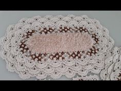 Tapete XODÓ parte 1 - YouTube Youtube, 1, Crochet Hats, Lace, Crochet Carpet, Simple Bathroom, Doormats, Dressmaking, Flowers