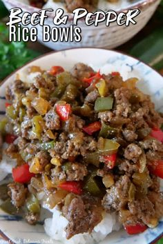Beef and Pepper Rice Bowls are a quick and easy dinner recipe that is loaded with perfectly seasoned ground beef, red and green bell peppers, and jalapenos, served over a steaming bed of rice. Cooking With Ground Beef, Ground Beef Recipes, Recipe Using Cauliflower, Chicken Rice Bowls, Beef And Rice, Incredible Recipes, Cheesy Chicken, Easy Dinner Recipes, Easy Dinners