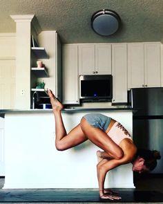 Home yoga practice yogaky Yoga flow Arm balances Yoga Flow, Yoga Meditation, Yoga Inspiration, Fitness Inspiration, Motivation Inspiration, Pilates Video, Pilates Poses, Yoga Routine, Yoga Videos