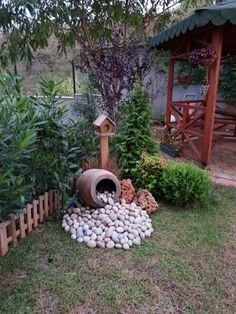 28 stunning spring garden ideas for front yard and backyard landscaping 00023 Garden Yard Ideas, Diy Garden, Spring Garden, Garden Beds, Garden Projects, Backyard Ideas, Patio Ideas, Garden Decorations, Garden Whimsy