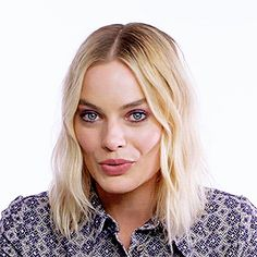 Welcome to MargotNews! We're proud to be your source dedicated to Australian actress Margot Robbie. Margo Robbie, Margot Robbie Harley, Goodbye Christopher Robin, Ariana Grande Facts, Actress Margot Robbie, Harley Quinn Comic, Famous Women, Famous People, Mac Miller