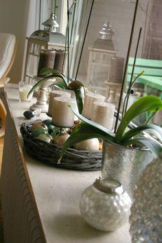 fensterbank deko wei silber kombination pflanzen deko pinterest dekoration and deko. Black Bedroom Furniture Sets. Home Design Ideas