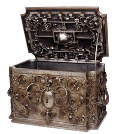 Wrought iron chest from eighteenth century South Germany. Eighteen bolts mechanism controlled by a dome lock, 42 x 65 x 43.5 cm. Preempted by the Musée Le Secq des Tournelles. Sold for € 55,048 costs included