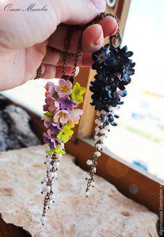 Купить Кулоны с цветами из полимерной глины - разноцветный, цветочный, полимерная глина, цветы, камни, бусины