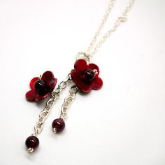 Red Enamel Flower necklace – the shop of interest
