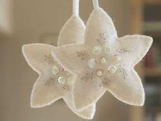 Suspension de Noël étoile blanche en feutre