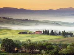 Tuscan villa in the countryside, would make a lovely watercolor painting...maybe someday