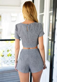 Back view of girl in grey shorts co-ord set Classy Outfits, Stylish Outfits, Girl Outfits, Shorts Co Ord, Modelos Fashion, Look Cool, Cute Fashion, Women's Fashion Dresses, Blouse Designs