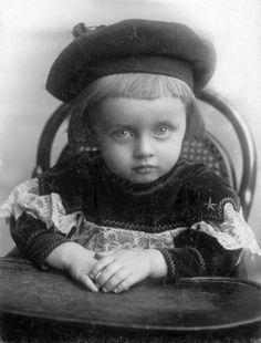 child from 1901 Fortepan Henry Cabot Lodge, Cavalleria Rusticana, Evelyn Nesbit, George Henry, Edward Steichen, Sundance Kid, Google Art Project, King Edward Vii, Double Wedding