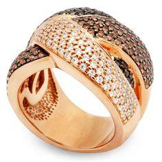 Anel de Prata Banhado a Ouro Rosé 18K com Cravação de Zircônias.