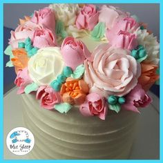 Coronet Buttercream Cake III With Buttercream Flowers Buttercream Decorating, Cake Decorating Tips, Cookie Decorating, Pretty Cakes, Cute Cakes, Beautiful Cakes, Buttercream Birthday Cake, Buttercream Flowers, Birthday Cakes