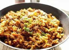 Wok macaroni with chicken Macaroni Pasta, Macaroni Recipes, Pasta Recipes, Lunch Recipes, Confort Food, Healthy Slow Cooker, Good Healthy Recipes, No Cook Meals, Food Inspiration