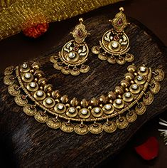 Jewelry Design Earrings, Gold Earrings Designs, Necklace Designs, Silver Jewelry, Silver Rings, Antique Jewellery Designs, Handmade Jewellery, Jewellery Sketches, Bridal Jewelry Sets