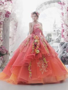 Incredibly romantic Disneyland Princess Wedding Gown The post Incredibly romantic Disneyland Princess Wedd … appeared first on Garden ideas. Fairytale Dress, Fairy Dress, Beautiful Gowns, Beautiful Outfits, Quinceanera Dresses, Prom Dresses, Quince Dresses, Strapless Dress, Fantasy Gowns