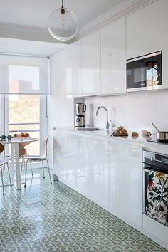 Galley Kitchen Design, Small Galley Kitchens, Interior Design Kitchen, Home Kitchens, Long Kitchen, New Kitchen, Kitchen Decor, Old Home Renovation, Kitchen Diner Extension