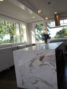 Kitchen No Upper Cabinets Design, Pictures, Remodel, Decor and Ideas - page 10