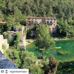 #Repost @reginesemaan #Belambrawards  Les #Gorges du #Tarn sous le regard de Régine  #France #igersFrance #canyon #Lozere #Aveyron #JaimelaFrance #nature #green #patrimoine #heritage Hotels-live.com via https://www.ins