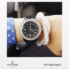 Shining jewelry and polka dots: our friend is ready to hit the road! Use #ToyWatch in your pics and show your #TWlove  #ToyWatch #watch #watches #style #fashion #accessories #forher #swarovski