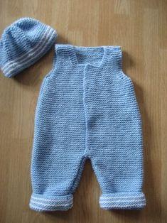 Au bout des doigts d& Combinaison bébé 3 mois - Baby Dungarees Pattern, Baby Pants Pattern, Baby Boy Knitting Patterns, Baby Sweater Knitting Pattern, Free Knitting, Crochet Baby Pants, Crochet For Boys, Layette Pattern, Tricot Baby