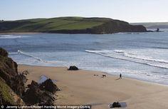 The beach at Bantham, near Kingsbridge, in south Devon. Hotel Art Deco, Devon Beach, Visit Devon, Devon Holidays, Costa, Devon England, South Devon, Picture Postcards, Most Beautiful Beaches