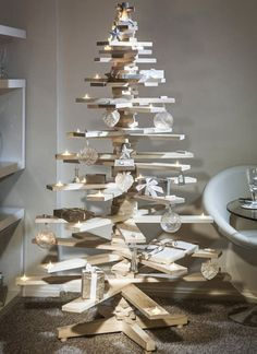 wooden pallet christmas trees to make with reclaimed wood