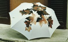 Umbrella Painting, Cute Umbrellas, Brollies, Parasols, Singing In The Rain, Cloudy Day, April Showers, Autumn Leaves, Rainy Days