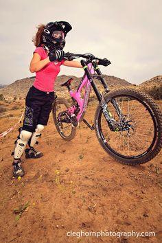 PERSONALITY: DOWNHILL GIRL JOHNY :: Bikezilla