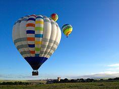 ¿Por qué los globos despegan todos en la misma dirección?  Los globos viajan…  Continúa en http://www.siempreenlasnubes.com/Blog/wordpress/?p=93  Reserva tu vuelo en http://www.siempreenlasnubes.com
