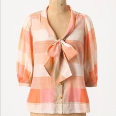 Anthropologie Maeve silk shirt 6! Gorgeous silk cotton blend Maeve blouse size 6. No flaws of any kind. From a pet and smoke free home. Anthropologie Tops Blouses