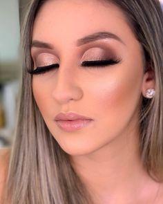 """MAQUIAGEM LOVERS compartilhou uma foto no Instagram: """"@danylimamakeup 💕"""" • Veja 9,807 fotos e vídeos em seu perfil. Professional Makeup, Lipstick, Make Top, Diagonal, 35, Beauty, Link, Instagram, Dark Circles Makeup"""