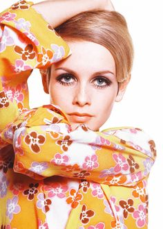 raspberry-soda-water:the-king-of-coney-island:  Twiggy photographed by Bert Stern, 1967.  ⊱✰⊰  horizons in your eyes