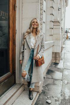 bd72875076e Outfit HM Checked Coat Zara Mom Jeans Chloe Susanna Boots Chloe Faye Bag -  SMALL-