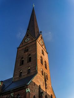 https://flic.kr/p/MAySyv | Hello St. Petri Kirche | FROM: 2016   St. Petri Kirche (Or St. peter's Church) Is one of the 5 Hauptkirchen (5 Important Lutheran churches in the city of Hamburg) I had  a quite short but interesting trip to Hamburg.