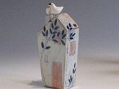 blue - house with bird - ceramic - Margaret Wozniak Clay Houses, Miniature Houses, Bird Houses, Wooden Houses, Pottery Houses, Sculptures Céramiques, Ceramic Boxes, Terracota, Ceramic Artists