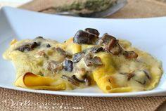 Crespelle ai funghi ricetta facile e golosa, si sciolgono in bocca e possono essere un antipasto, un primo della domenica ed anche delle feste