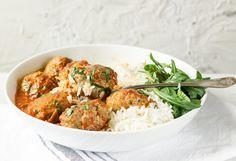 Przepis na klopsiki-szybki obiad-blog kulinarny-codojedzenia.pl Pork Dishes, Ethnic Recipes, Food, Gastronomia, Diet, Essen, Meals, Yemek, Eten