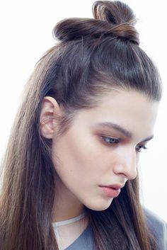 Красота в простоте: модный макияж призван подчеркнуть природные достоинства | Красота | Новости | VOGUE