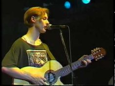 For that wee lass inside me, 'Somewhere in my Heart', where time has stood still, this was brand new and Roddy is still 19yrs of age. <3 Aztec Camera - Backwards And Forwards, La Edad de Oro, Madrid 1984