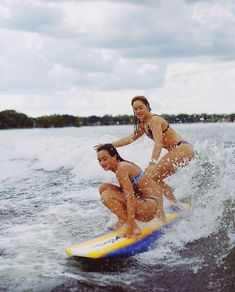 We stan a queen who can surf Our Girl, The Girl Who, Best Friend Goals, Best Friends, Gabriel, Siblings Goals, I Love The Beach, Best Friend Pictures, Girl Power