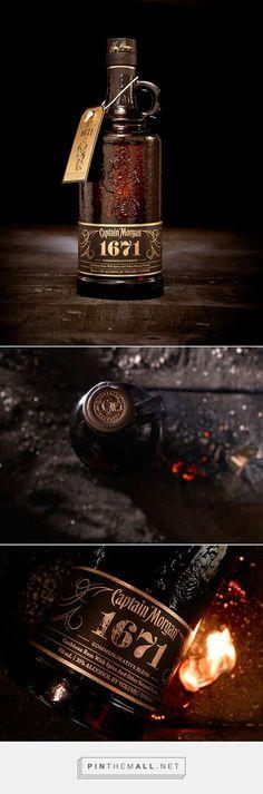 Captain Morgan 1671 Special Edition | #packaging #bottledesign #rum  Tolle Geschenkideen mit Captain Morgan Rum gibt es bei http://www.dona-glassy.de/Themengeschenksets/Geschenksets-Captain-Morgan:::24_2.html