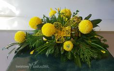 Church Flower Arrangements, Arte Floral, Funeral, Projects To Try, Flowers, Plants, Floral Arrangements, Flower Arrangements, Beautiful Flower Arrangements