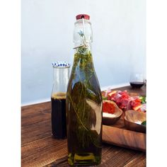 We're infusing some olive oil with rosemary in preparation for the summer salad and grilling season! What are you doing to prepare? A reminder: FREE SHIPPING on retail orders $50 or more, with coupon code: FreeShipping. Limited time only! Enjoy. #pacificmerchants #kilner #acaciaware #oliveoil #grilling #summer #freeshipping
