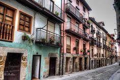 Calle Espíritu Santo - Laredo - Cantabria Social Izan, agencia de Marketing Digital y Posicionamiento Web. Especialistas en presencia Online y Marketing Social en Santander