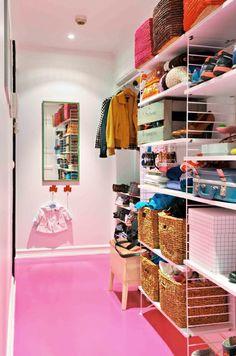 I am jonathan String Shelf, String System, Entry Stairs, Hallway Inspiration, Shelf System, Ideas Hogar, Love Your Home, New Homes, Shelves