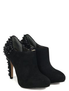 Cute shoes! black, metal studs.