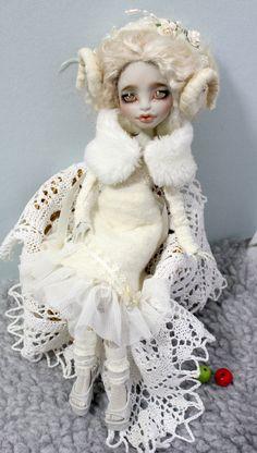 OOAK Custom Monster High Repaint by Momo Dolls Snow White | eBay