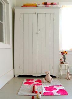 white and hot pink #white #pink #interiors