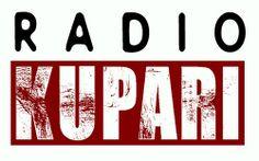 Käyn kouluni ohella juontamassa nettiradiota Radio Kuparin Iltapäivässä vähintään kerran viikossa. En tee sitä pelkästään opintoviikkojen toivossa, vaan myös koska se on hauskaa ja saan hyvää harjoitusta työelämää varten. Aion päästä opiskeluideni jälkeen radion töihin!